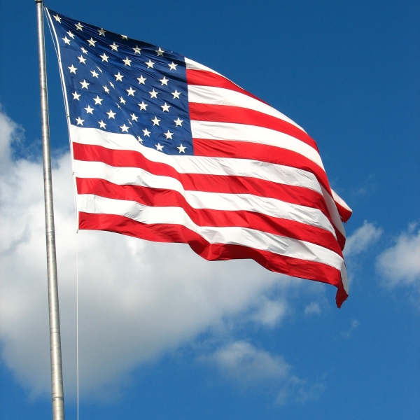 american_flag_by_q_stock_1441903159570.jpg