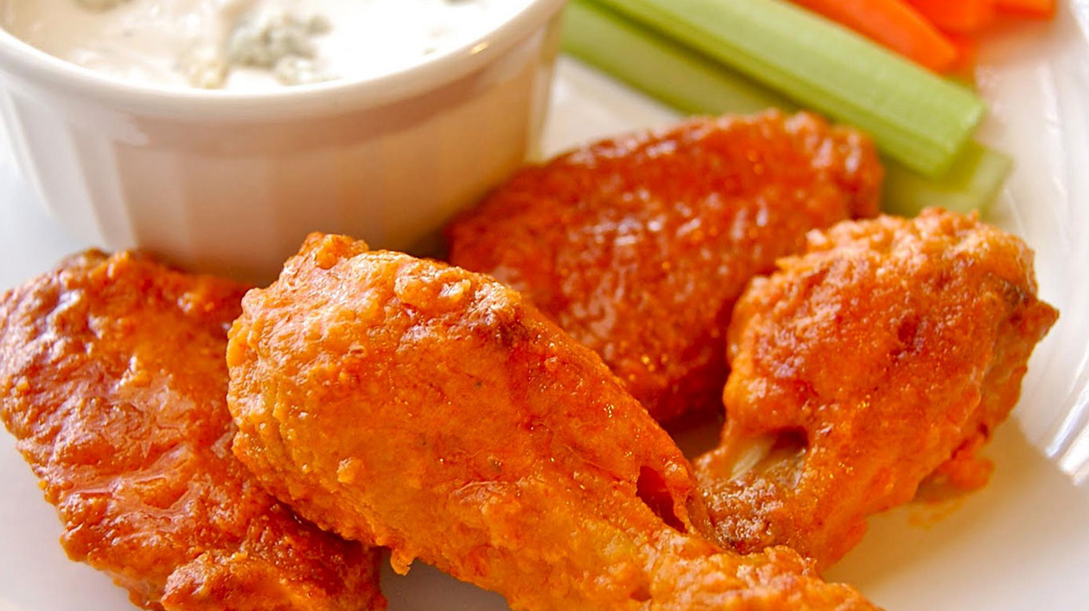 Chicken Wingz 10242015_1445734905057.jpg