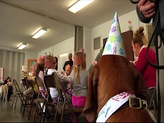 Community Celebrates Therapy Dog-s Birthday_20151123233102