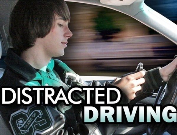 distracted driving_6002175923531762702