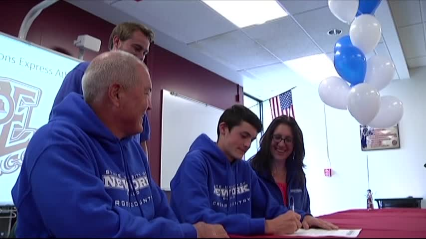 Elmira Signs Three Athletes to Next Level_21602465-159532