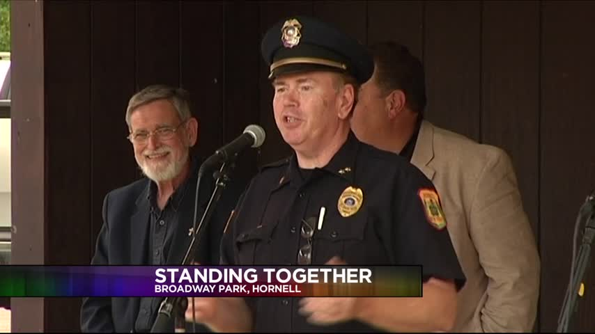 Hornell Honors Fallen Dallas Officers_37580211-159532