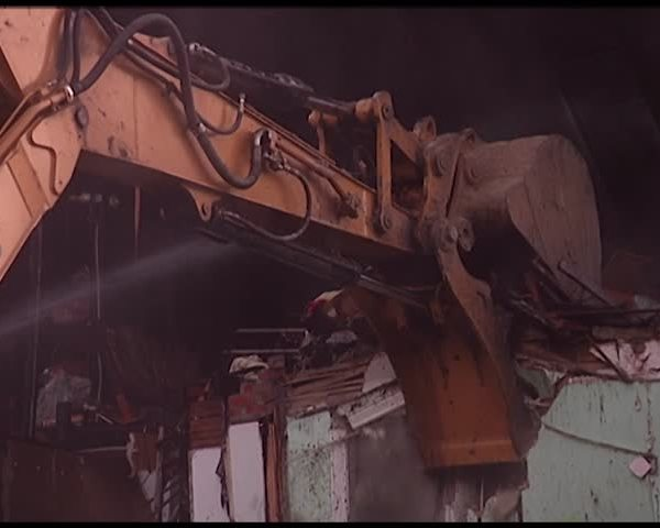 Neighbors Want Unkempt Houses Demolished_37463366-159532