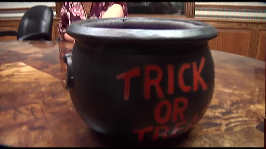 Safety Tips for Those Trick-Or-Treating_07720839-159532