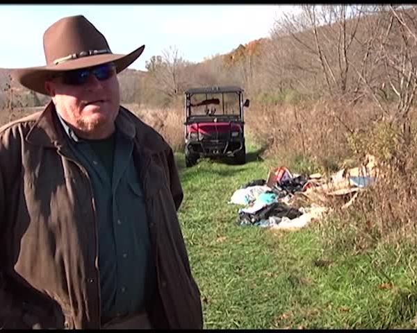 Police Investigate Illegal Trash Dumping on Homeowner-s Land_63191427-159532