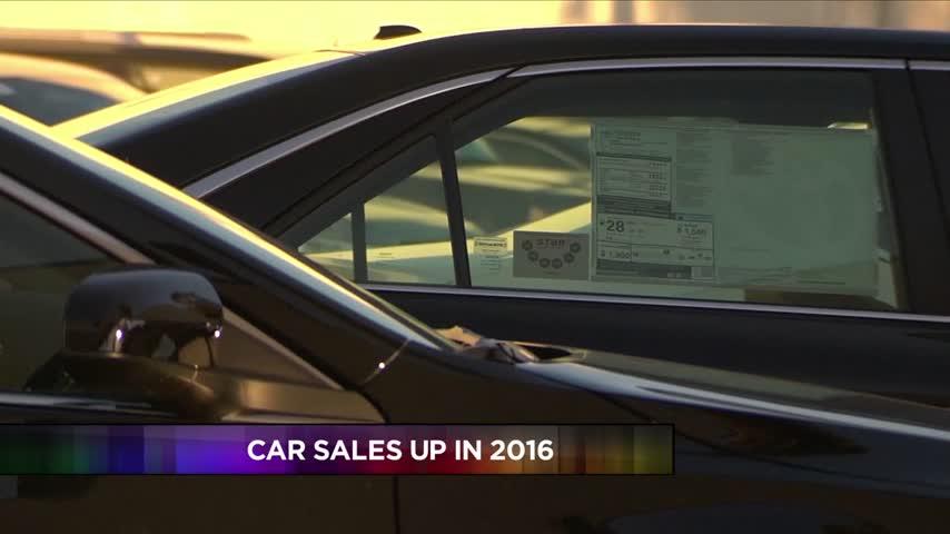 Car Sales Up in 2016_85413649