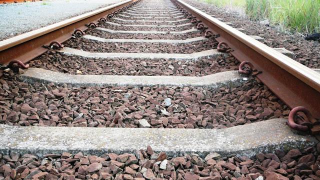 Train%20tracks_1468879924895_113690_ver1_20170104153950-159532