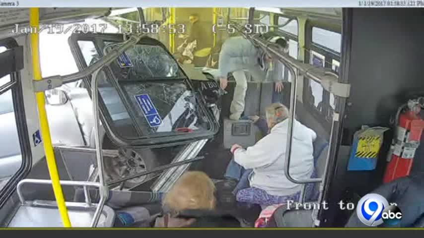 Video- Truck into Centro bus_49524405-118809342