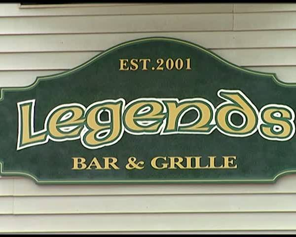 Local Bars Prep for the Big Game_13234642