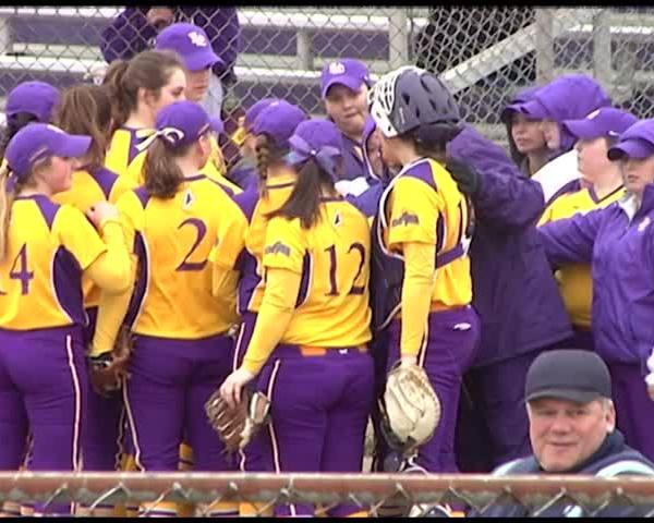Elmira College Softball Wins Opener_62632918