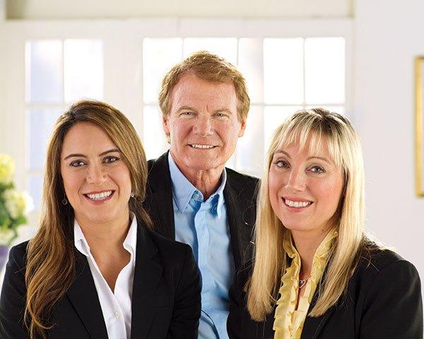 Wegman-Family-Nicole-Danny-Colleen (002)_1490813093285.jpg