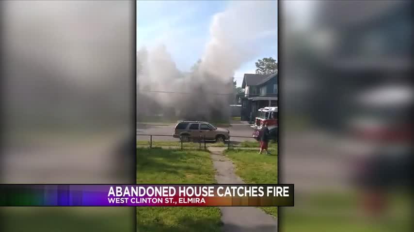 Fire broke out on West Clinton Street_24122630