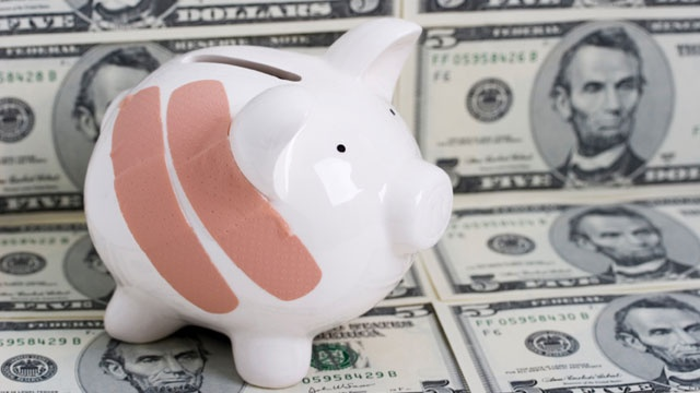 health care costs, piggy bank, insurance_2188785440138657-159532