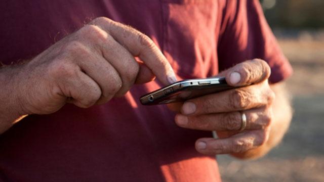 Texting phone_2211640252564199-159532