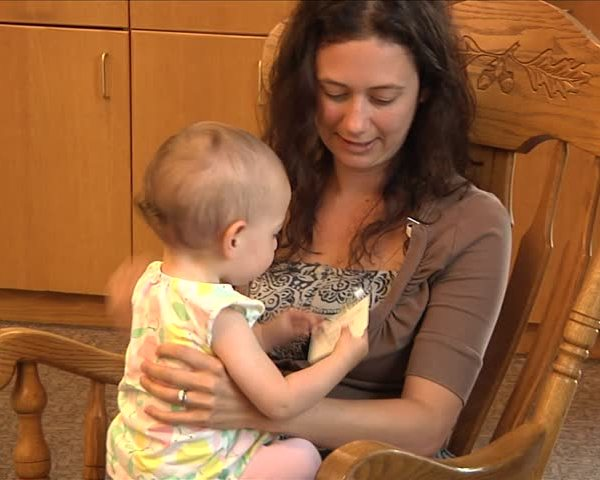 Local Baby Caf- provides free support for mothers- families_58891730