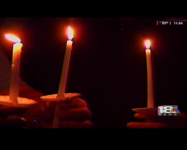 Elmira College holds candle light vigil for victims of 9-11_94829302