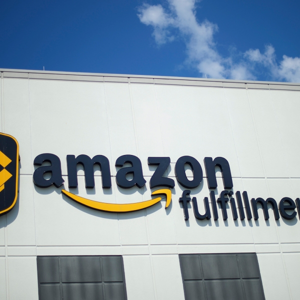 Amazon Fulfillment Center-159532.jpg30716271