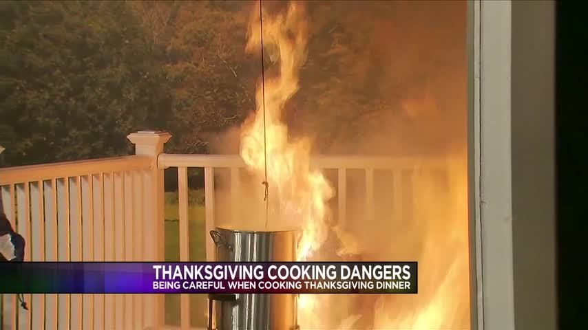 How to avoid thanksgiving cooking dangers and disasters_30770800