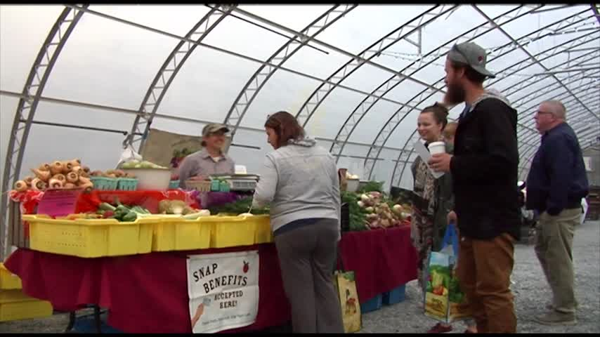 Winter Farmers Market opens at Chamberlain Acres_28317810