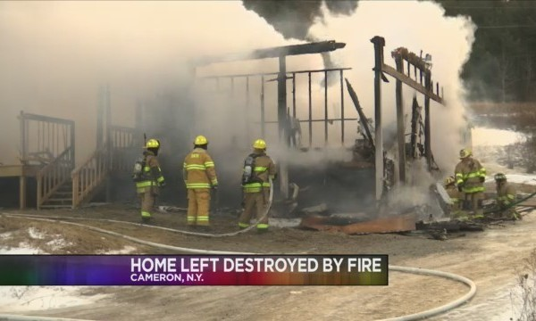 Fire_destroys_home_in_Cameron_0_20180203042158