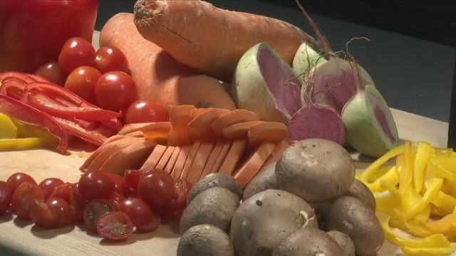CORNING, N.Y. (18 NEWS) - Local farmers had the chance to network on Friday at the Finger Lakes Farm Country Conference at Corning Community College.