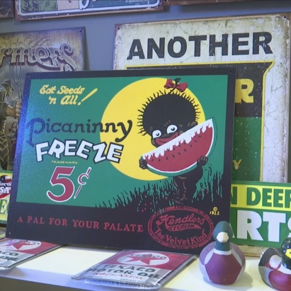 Sign_in_antique_shop_causes_controversy_0_20180625221707