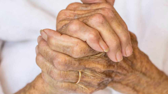 old-woman-hands-grandma-elderly_1524760144892_364885_ver1.0_40916855_ver1.0_640_360_1530261740553.jpg