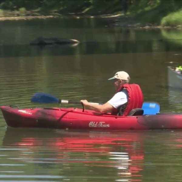 Paddling_along_the_Chemung_River_to_be_s_0_20180709221030