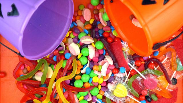 Halloween Trick Or Treat Candy Overhead Jack-o-lantern Buckets_1540519654907