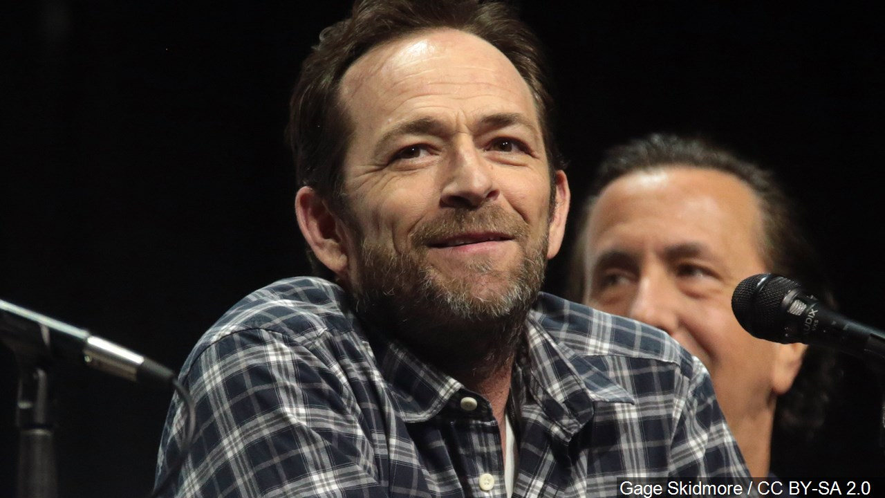 Luke Perry - an actor who is best known for his role as Dylan McKay on the TV series Beverly Hills, 90210 from 1990 to 1995.jpg