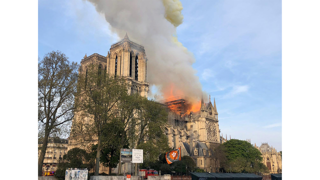APTOPIX France Notre Dame Fire_1555395491920