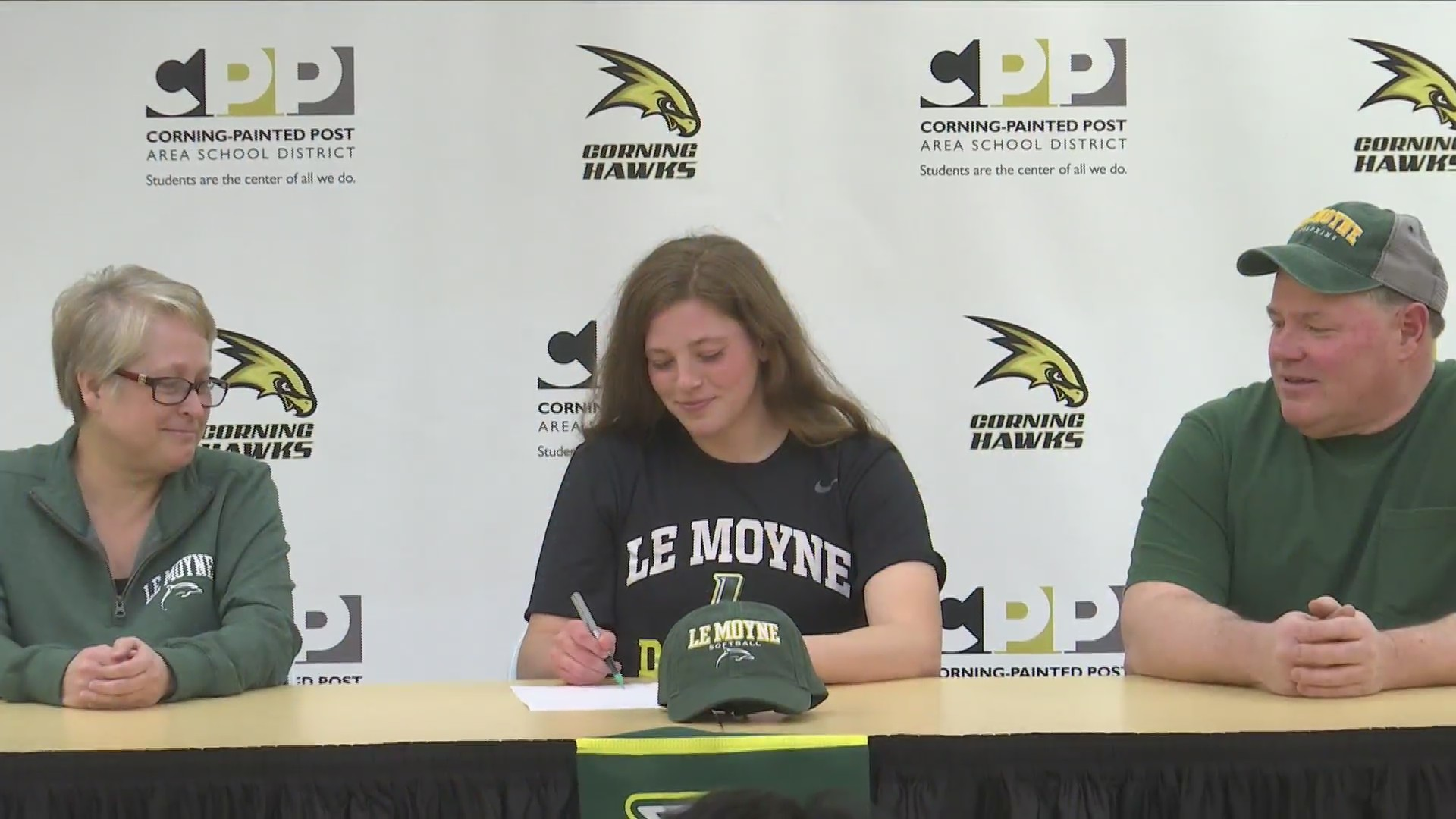 Corning's Bennett signs with Le Moyne