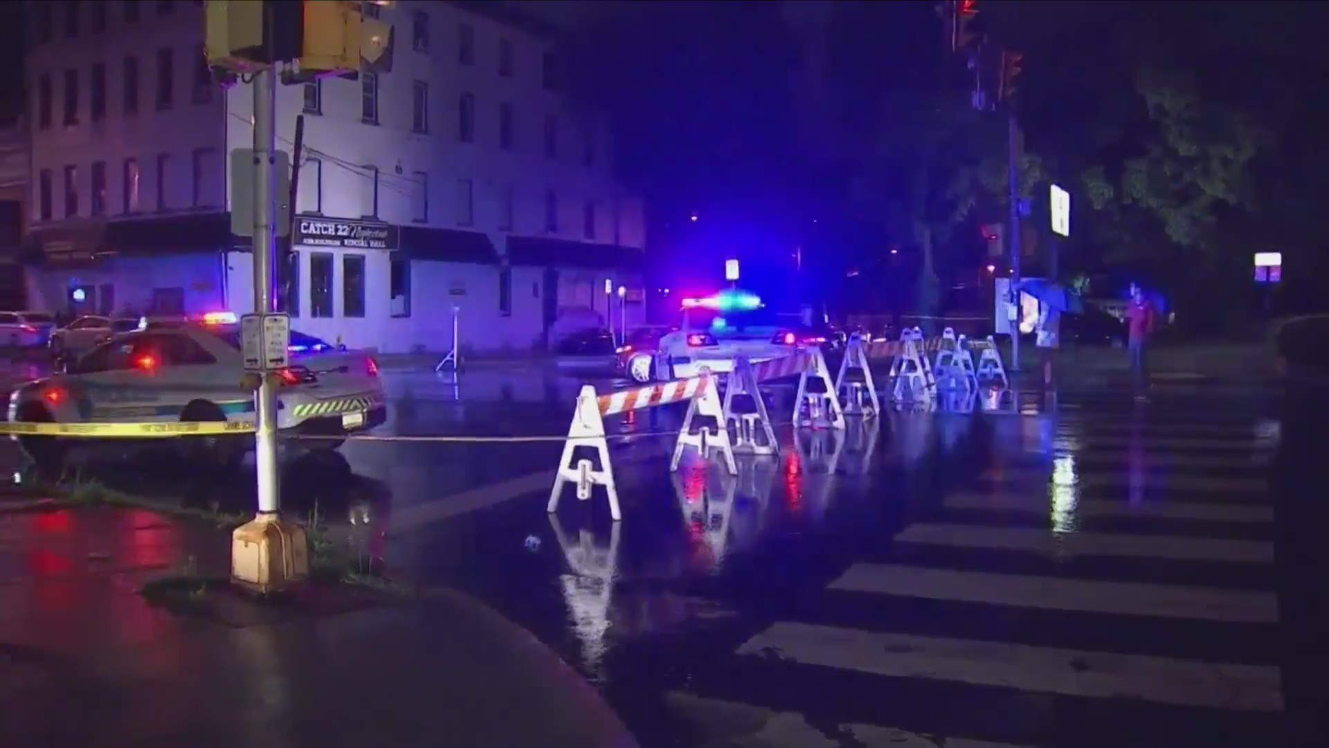 10 Wounded by multiple shooters outside of night club