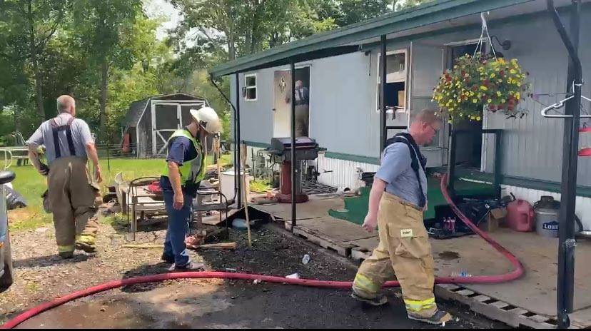 Multiple pets killed in Millport mobile home park fire, trailer a total loss